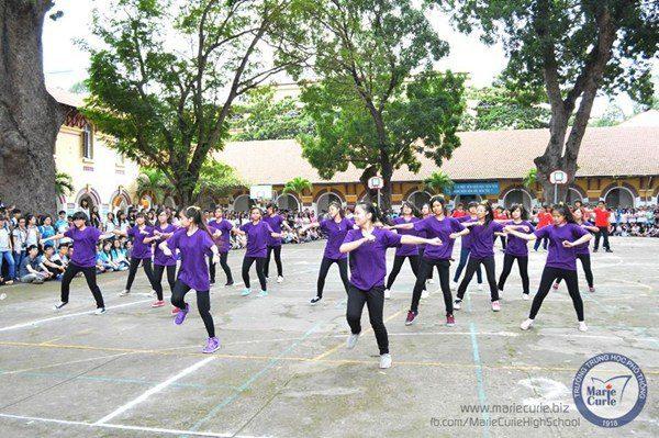 Phong trào nhảy cổ động, nhảy flashmob được tổ chức mỗi năm học