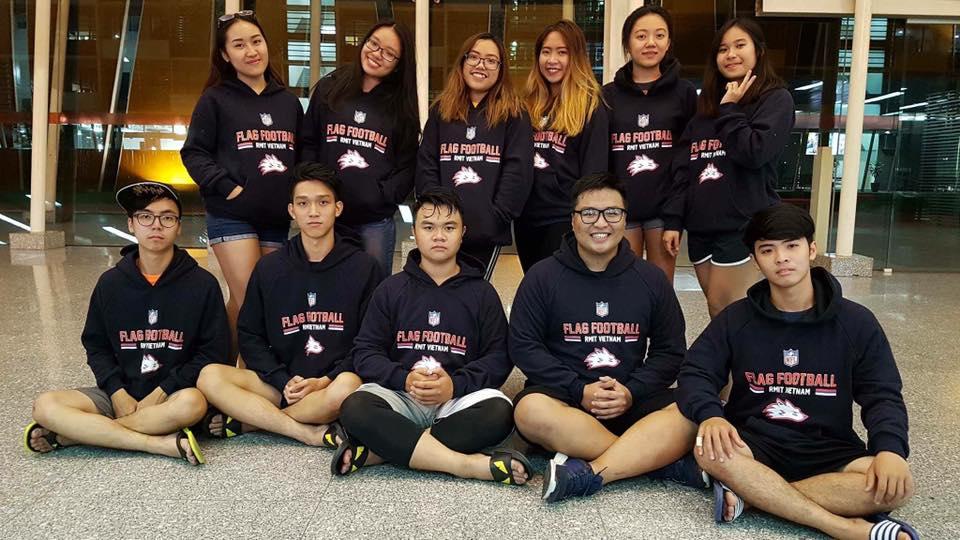 Áo hoodie cực chất của nhóm RMIT VN Flag Football Club (SGS)