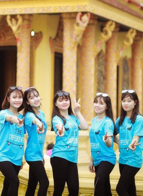 20161209151150938571 - Áo lớp xanh lơ của lớp 12C8 trường THPT Tùng Thiện – Hà Nội