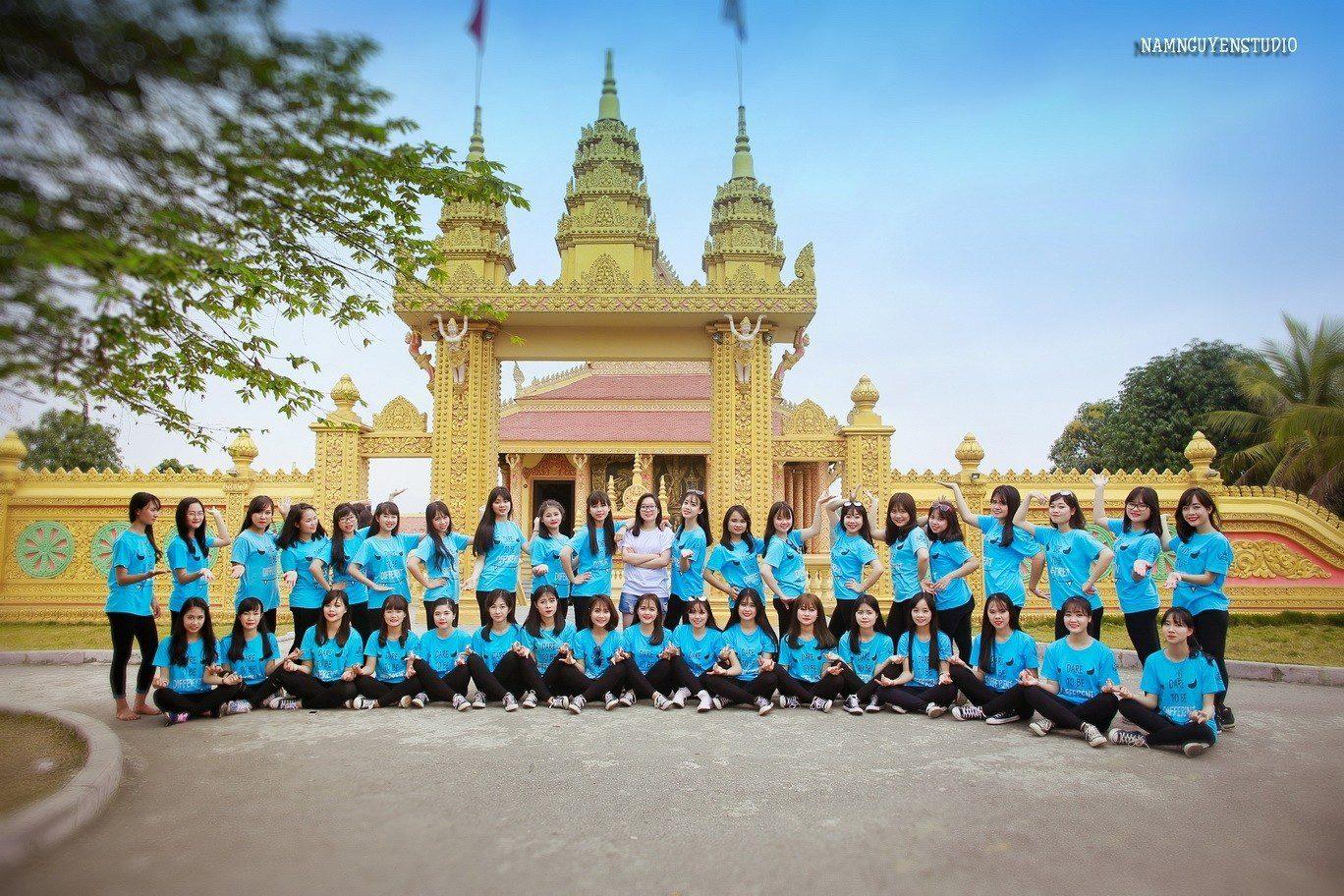 20161209151304569632 THPT TÙNG THIÊN - Áo lớp xanh lơ của lớp 12C8 trường THPT Tùng Thiện – Hà Nội
