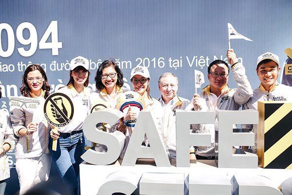 Ao thun Safe steps Road Safety 10 - Bừng sáng sự kiện Safe Steps của Liên Hợp Quốc tại Việt Nam với áo thun sự kiện