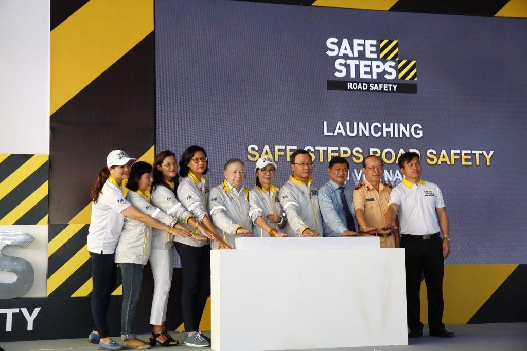 Ao thun Safe steps Road Safety 16 - Bừng sáng sự kiện Safe Steps của Liên Hợp Quốc tại Việt Nam với áo thun sự kiện