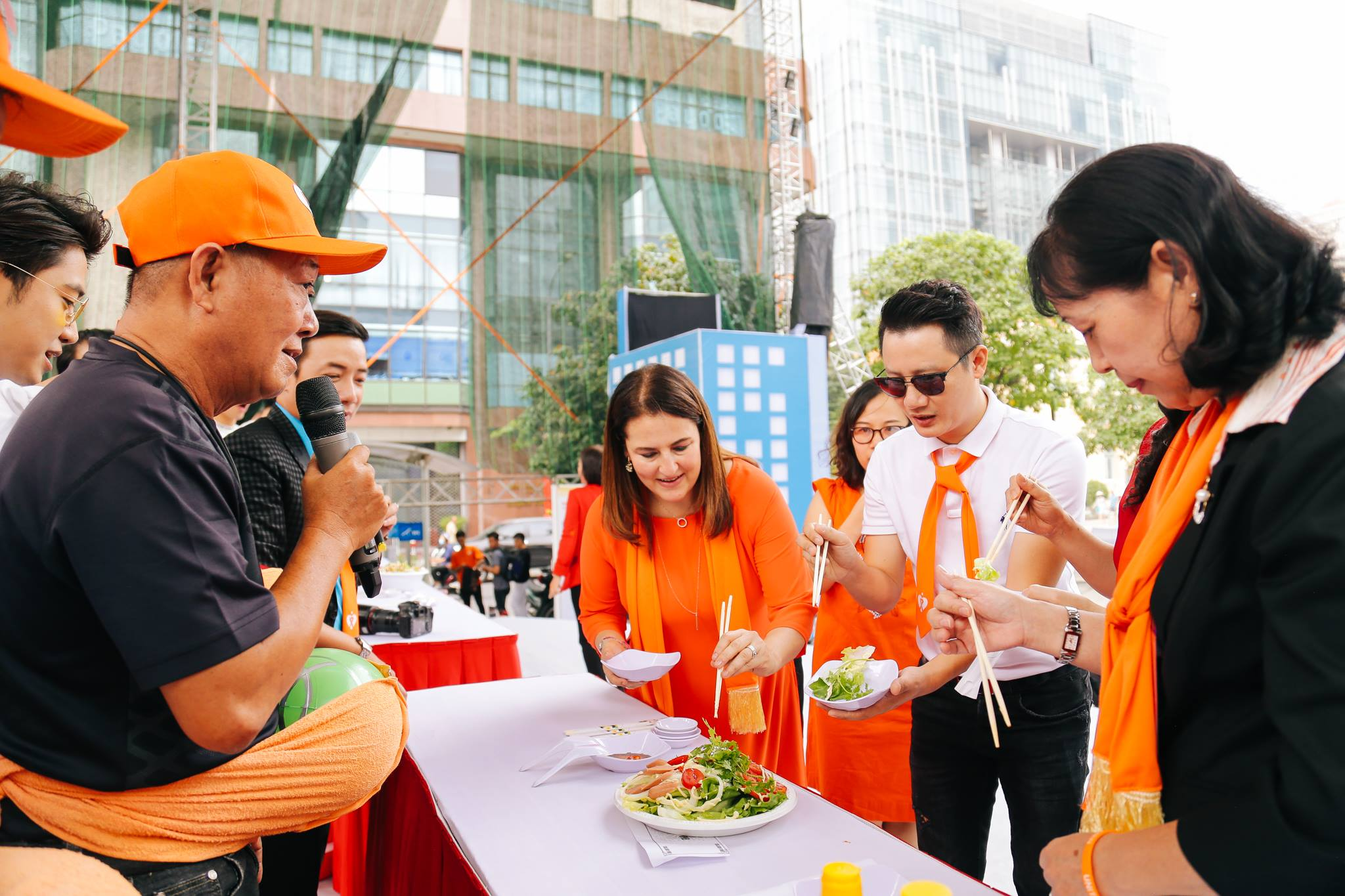 haylentieng9 - Sắc cam áo thun sự kiện UN Women Việt Nam