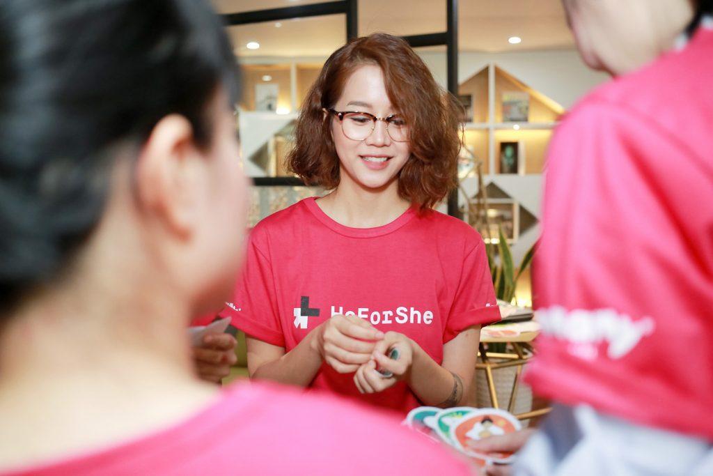 heforshe 4 An Nguy 2 1024x683 - Áo thun sự kiện chiến dịch #HeForShe - UN Women Việt Nam