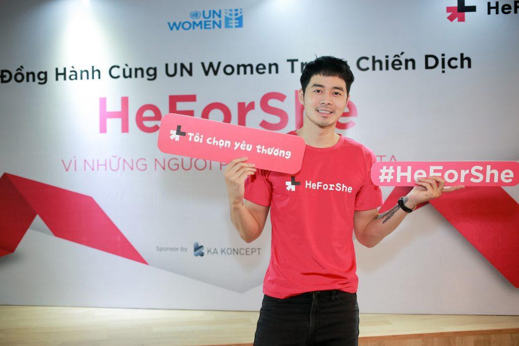 heforshe12 Duong Mac Anh Quan 1024x683 - Áo thun sự kiện chiến dịch #HeForShe - UN Women Việt Nam