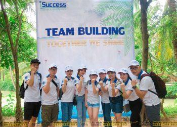 Công ty TNHH iSUCCESS tổ chức team building với mẫu áo thun đồng phục của TEES