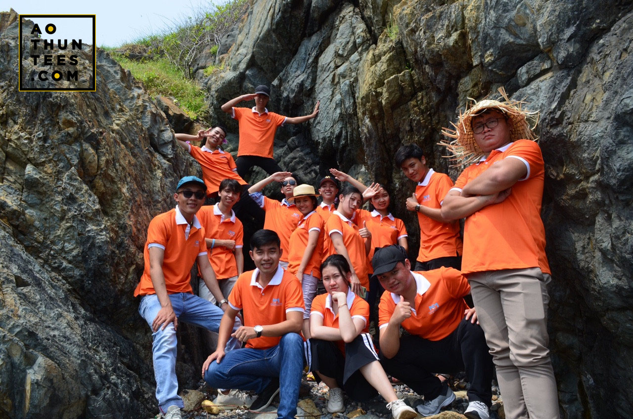 ao thun nguon sang moi 9c729f7fb2a54bfb12b4 - Học sinh du học Nhật Bản được nhuộm cam trong màu áo thun đồng phục tại Nguồn Sáng Mới